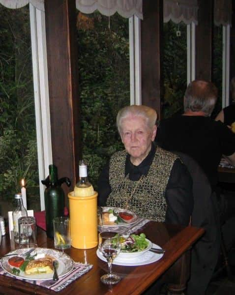 Cecily Crozier at Stone Cottage Restaurant, 2006.