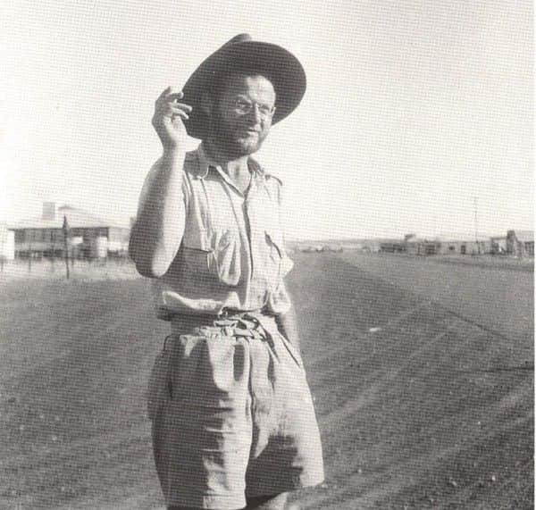 Guy Warren photograph, Klaus Friedeberger at Tennant Creek, 1948