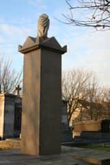 Monument de l'Amphitrite, le cimetière de l'est, Boulogne-sur-Mer. Erected 1853
